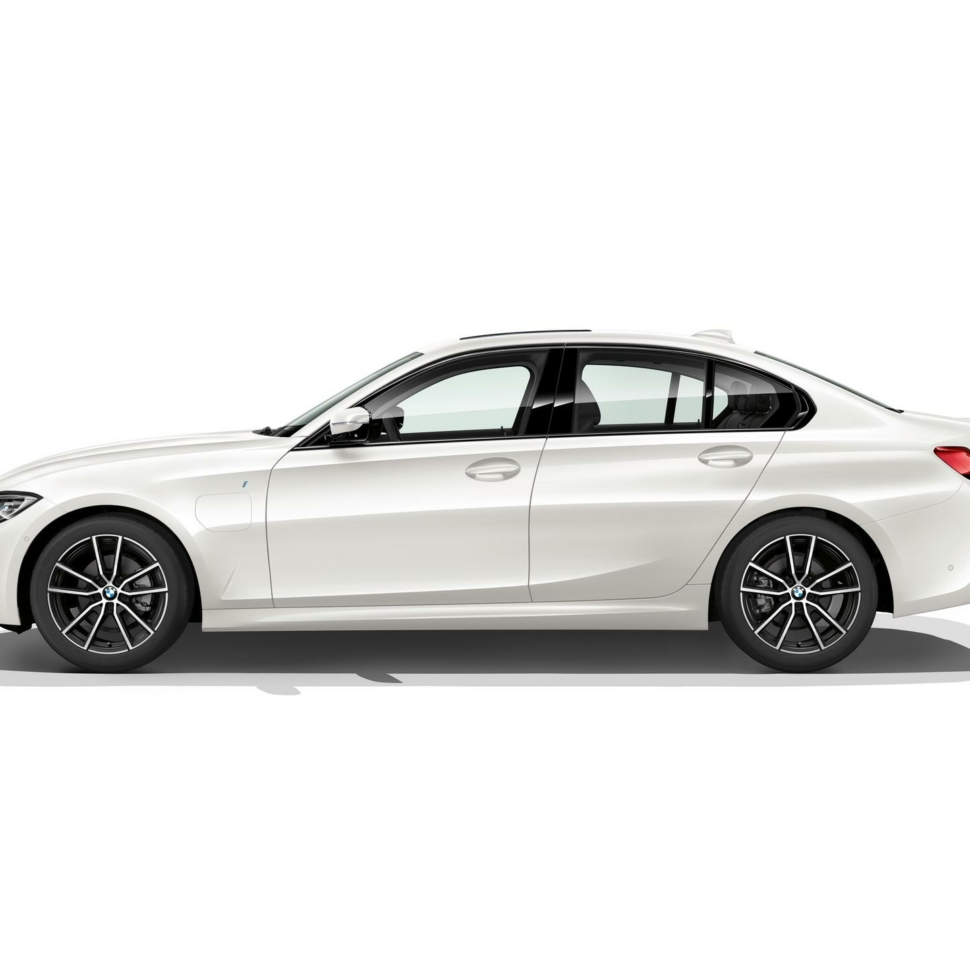 BMW-330e-sedan-pricing-00