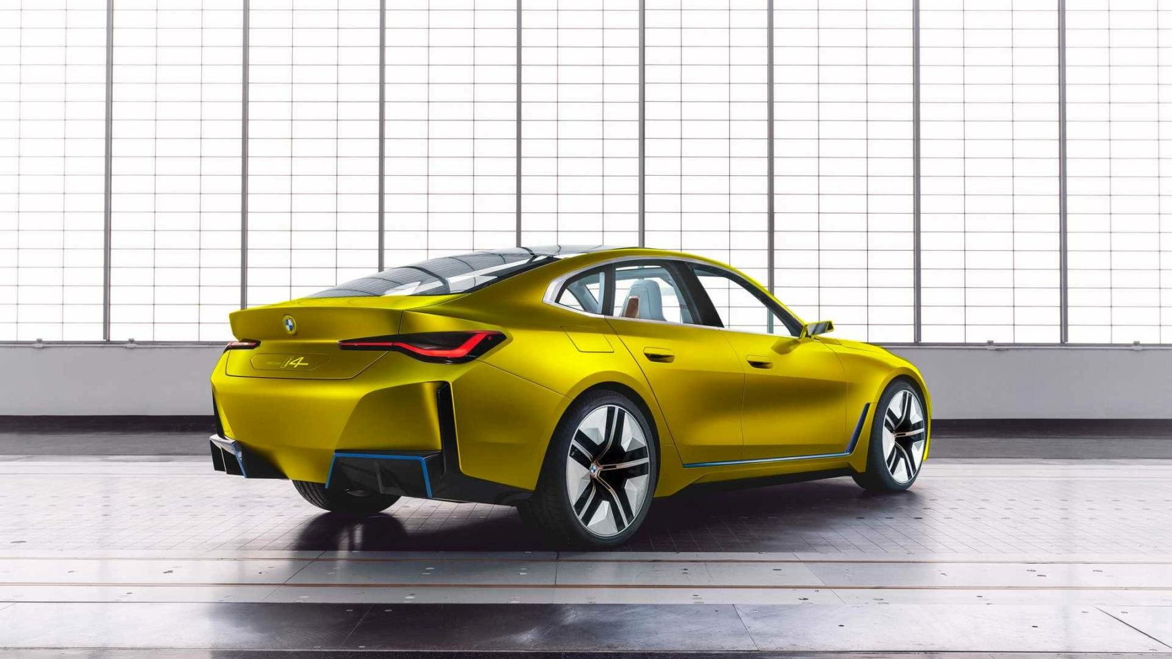 BMW-i4-concept-austin-yellow