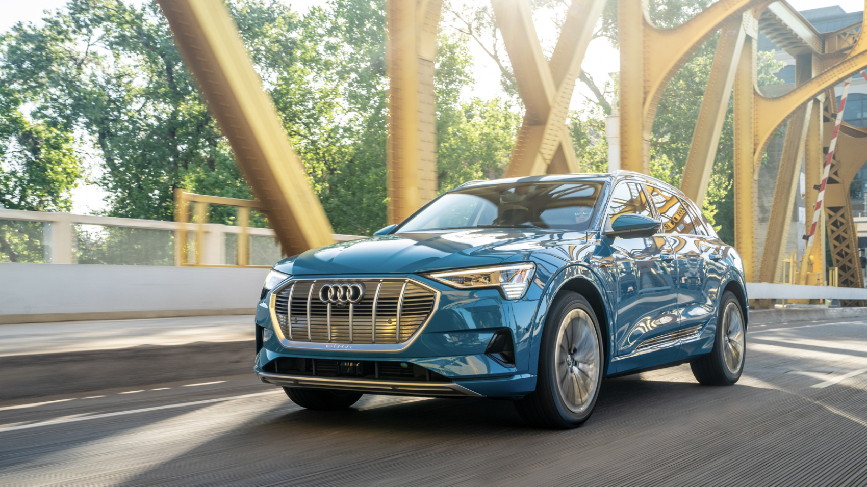 audi-e-tron-suv-42-of-54