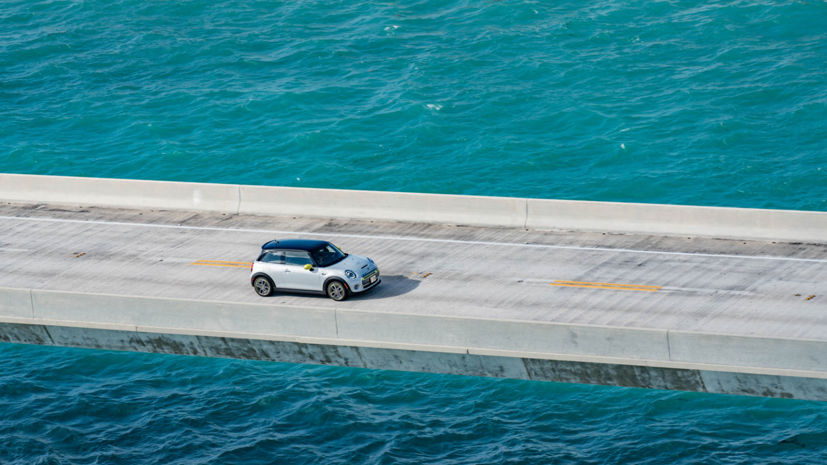 MINI-Cooper-SE-Florida-Keys-11