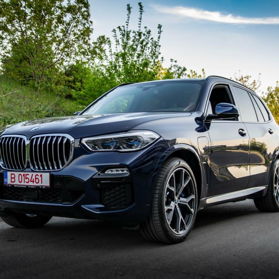 2020-BMW-X5-xDrive45e-test-drive-39