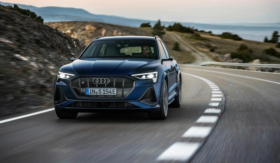 Audi E-Tron S-image-15