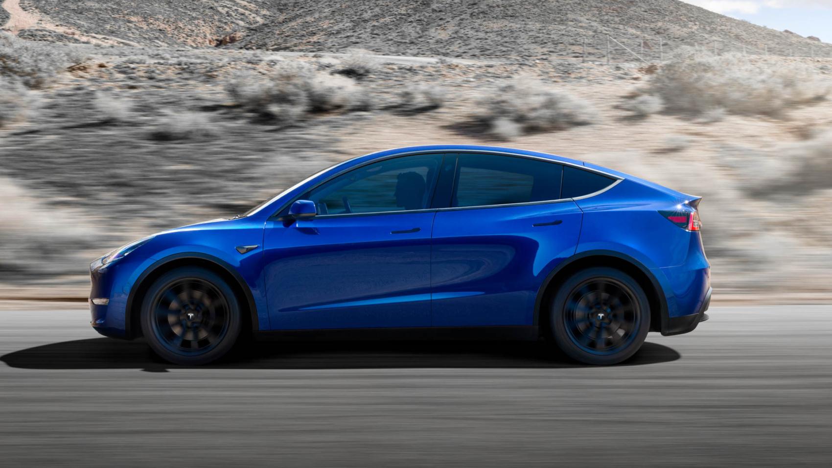 Audi-Q4-Sportback-e-tron-vs-Tesla-Model-Y-2