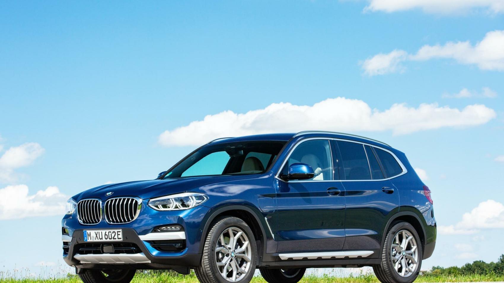 2020-BMW-X3-xDrive30e-hybrid-08