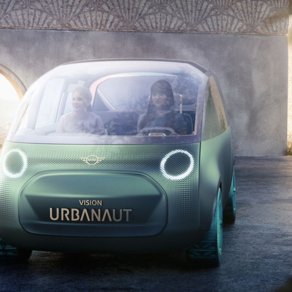 MINI-Vision-Urbanaut-Concept-29-of-96