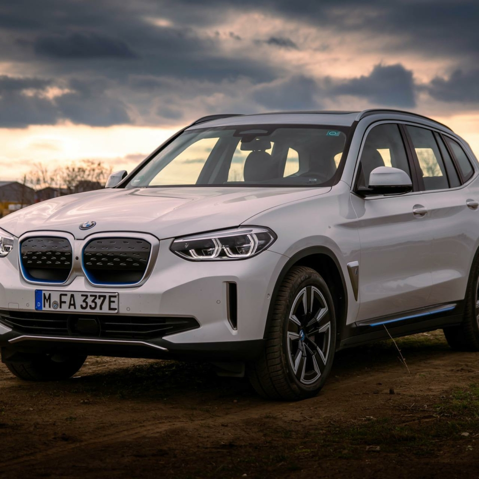 2021_bmw_ix3_review_33