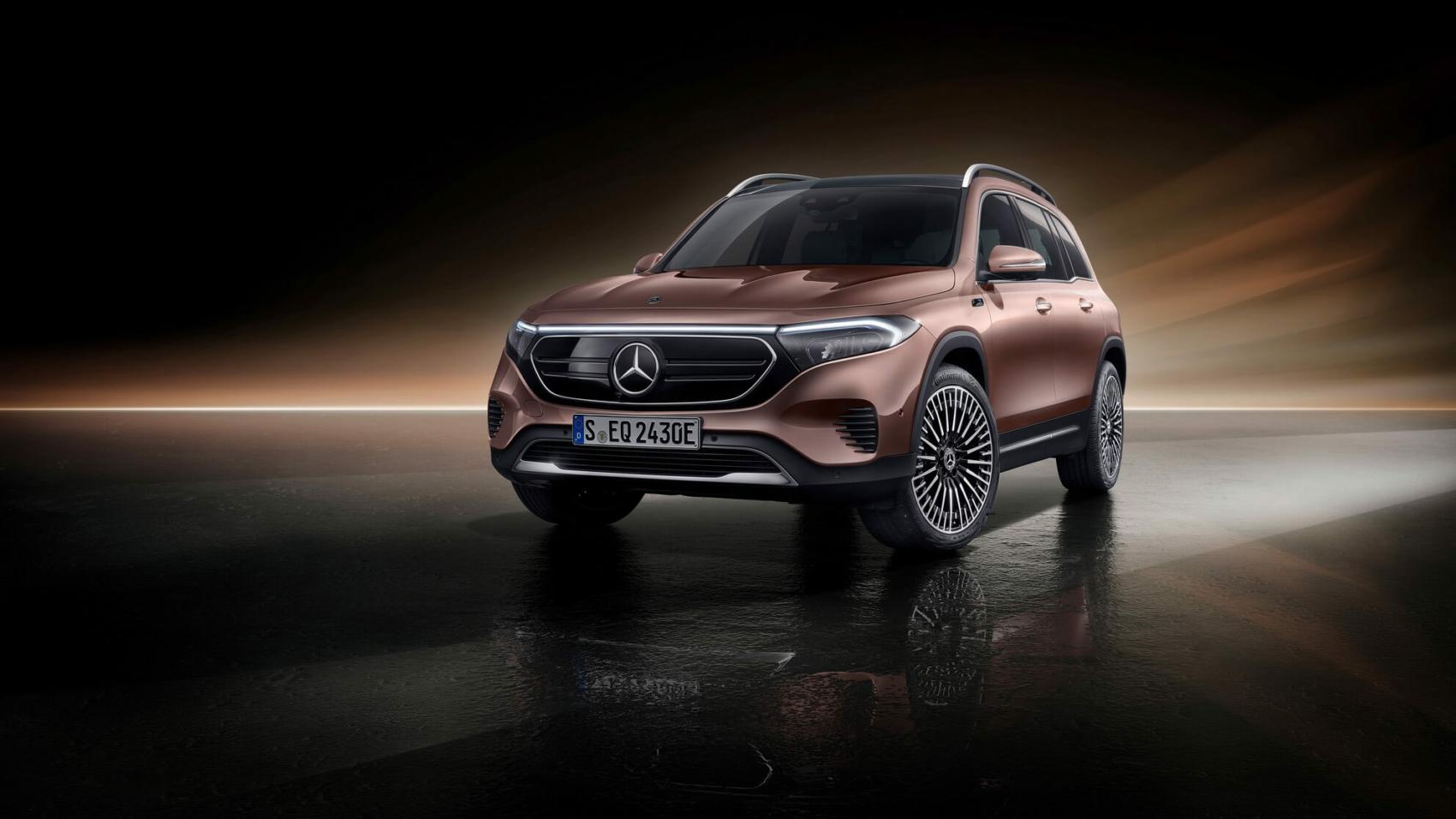 Mercedes-EQB-36