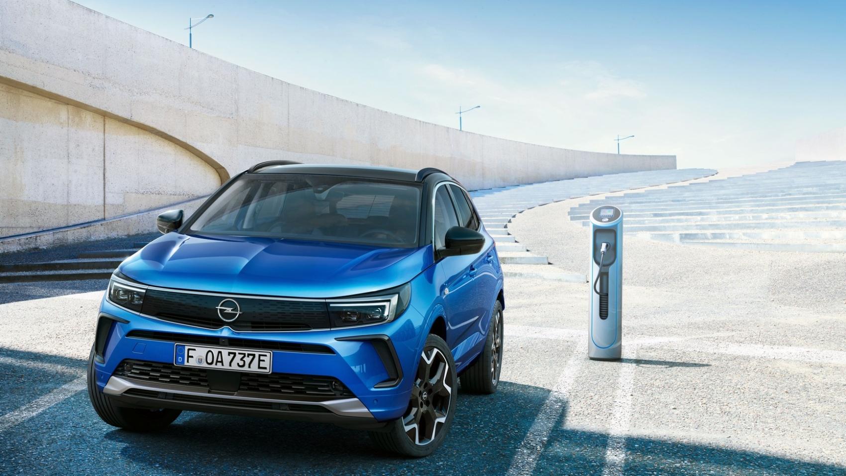 2022 Opel Grandland Hybrid4