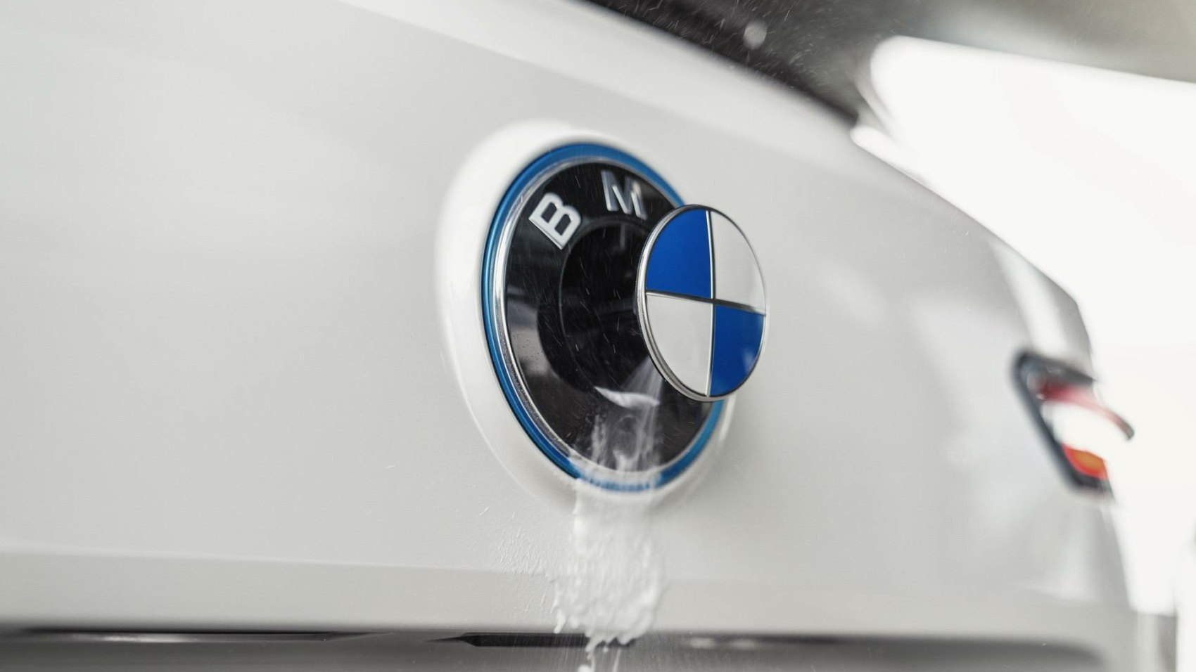 BMW iX_Driver_assistance_systems_09