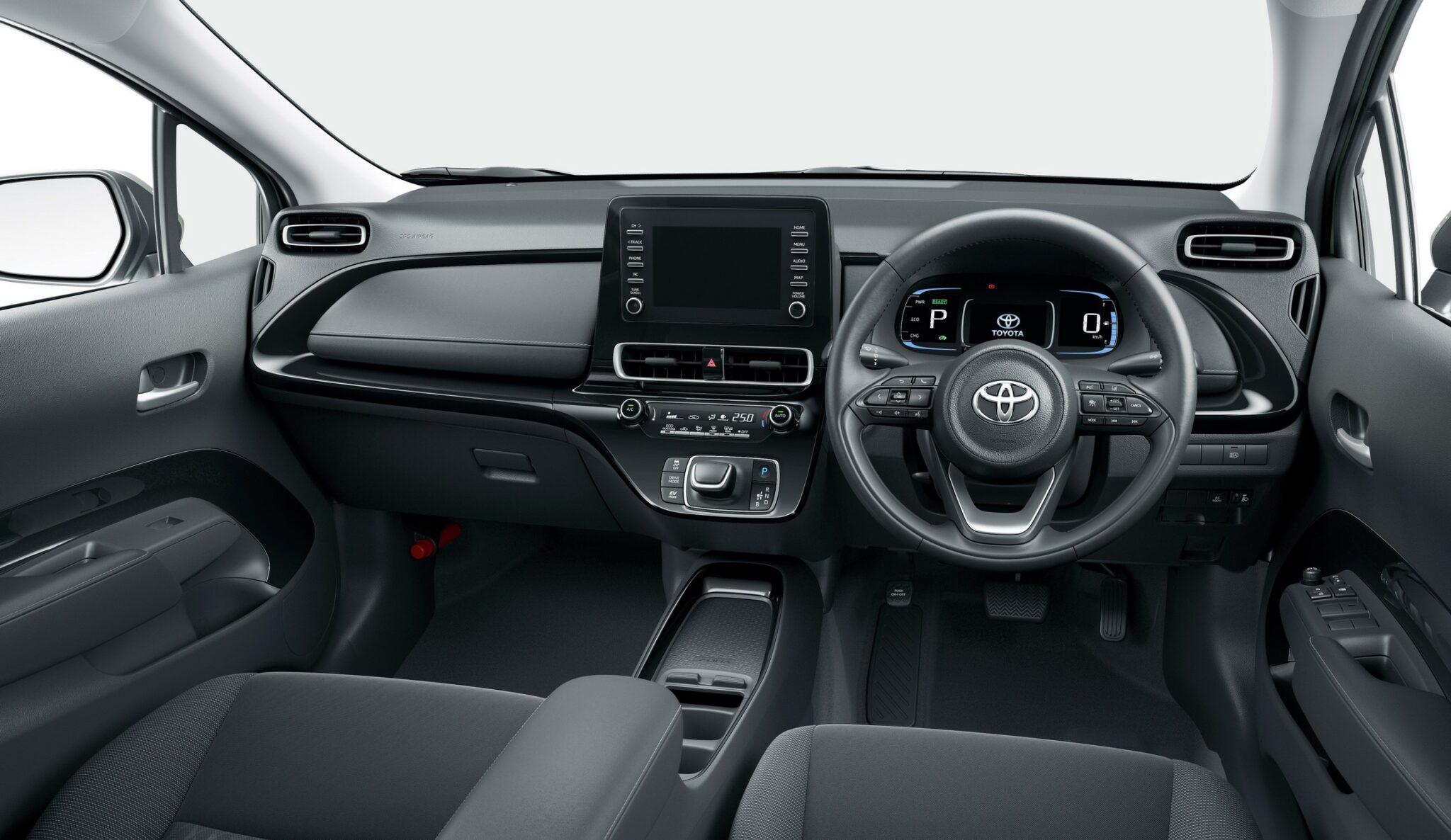 2022-Toyota-Aqua-49-2048x1186.jpg