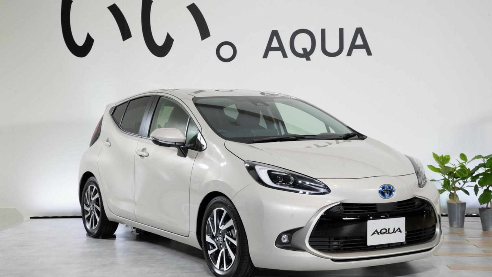 2022-Toyota-Aqua-69-1700x956.jpg