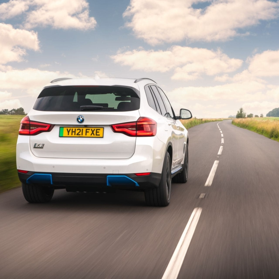 BMW-iX3-UK-97