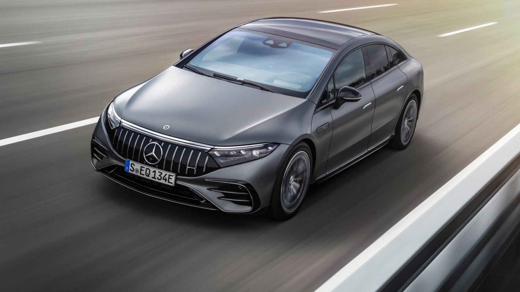 Mercedes-AMG_EQS53_3